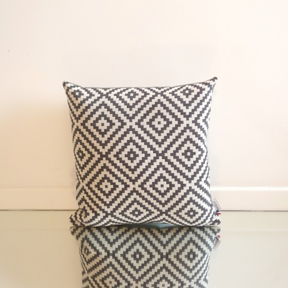 pieddecoq-coussin-pillow-design-aztec-01